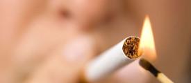 Woman smokking cigarette